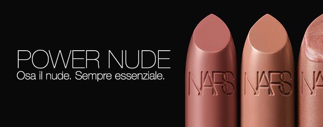 Osa il nude. Sempre essenziale.